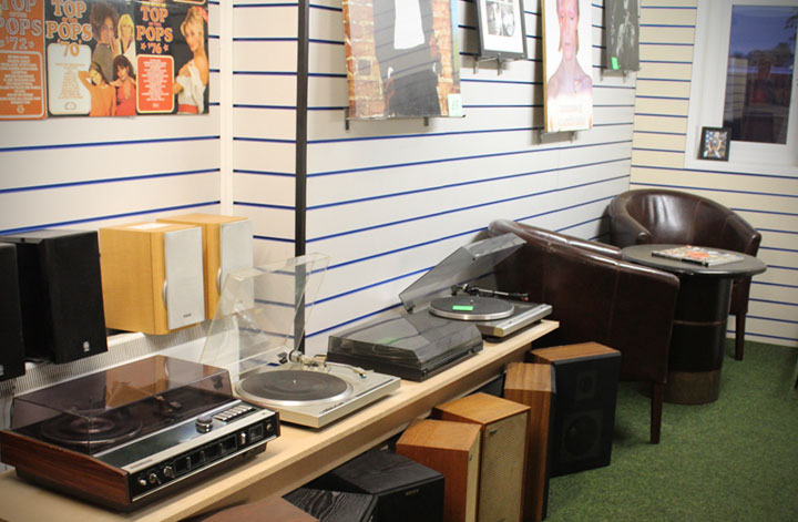 Betterdaze Record Player Showroom